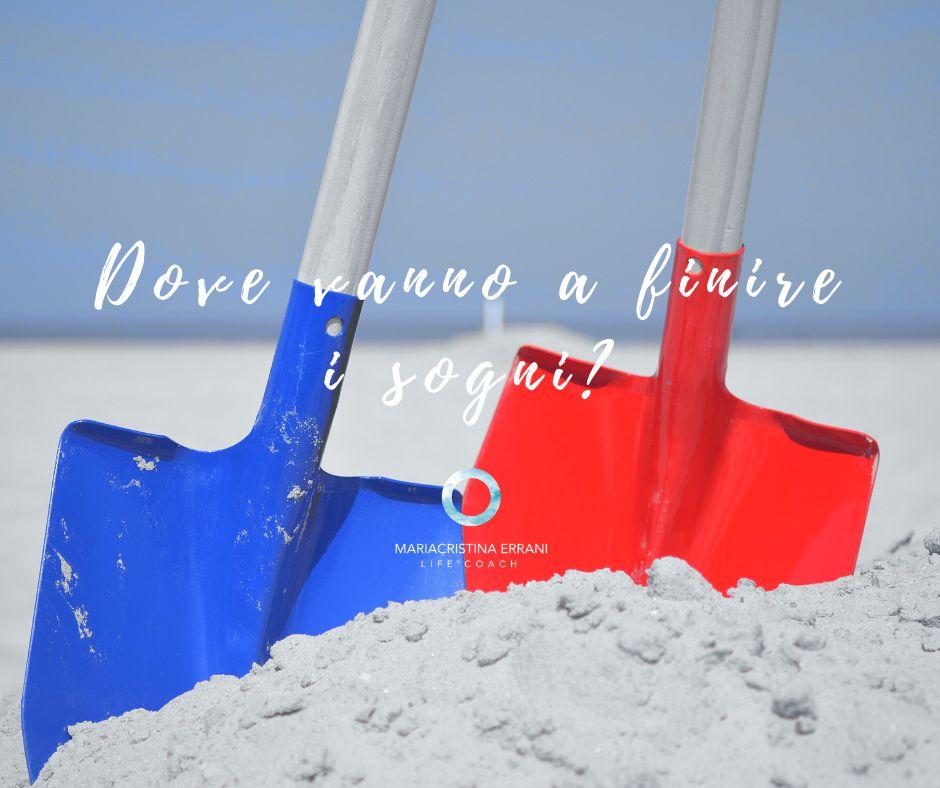 Badili piantati nella sabbia dove sono seppelliti i sogni a causa della paura del cambiamento