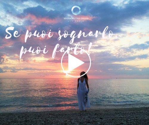 Mariacristina life coach guarda il cielo e superata la paura da vita al sogno col cambamento
