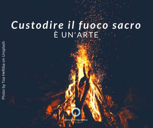 fuoco con scritta: custodire il fuoco sacro è un'arte
